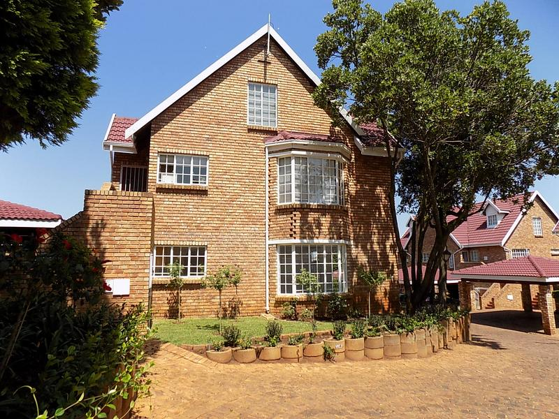 Property For Rent in Radiokop, Roodepoort 2