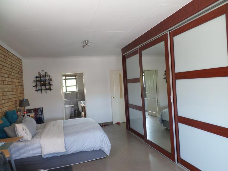 Property For Rent in Honeydew Manor, Roodepoort 9