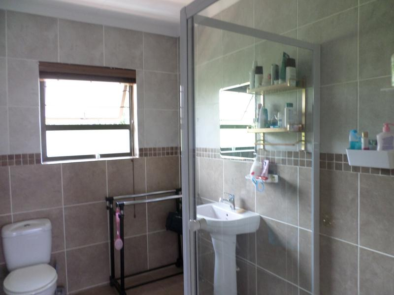 Property For Rent in Honeydew Manor, Roodepoort 18