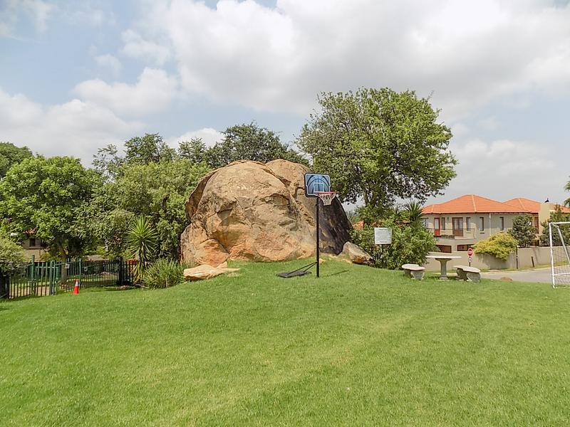 Property For Rent in Fourways, Sandton 14