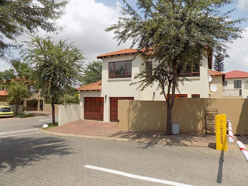 Property For Rent in Fourways, Sandton 2