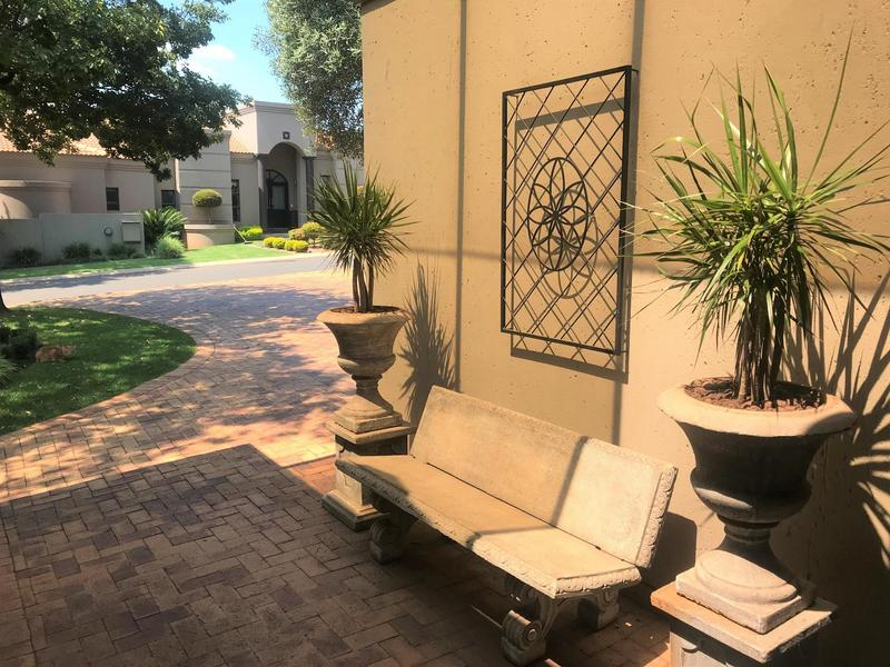 Property For Sale in Northcliff, Johannesburg 44