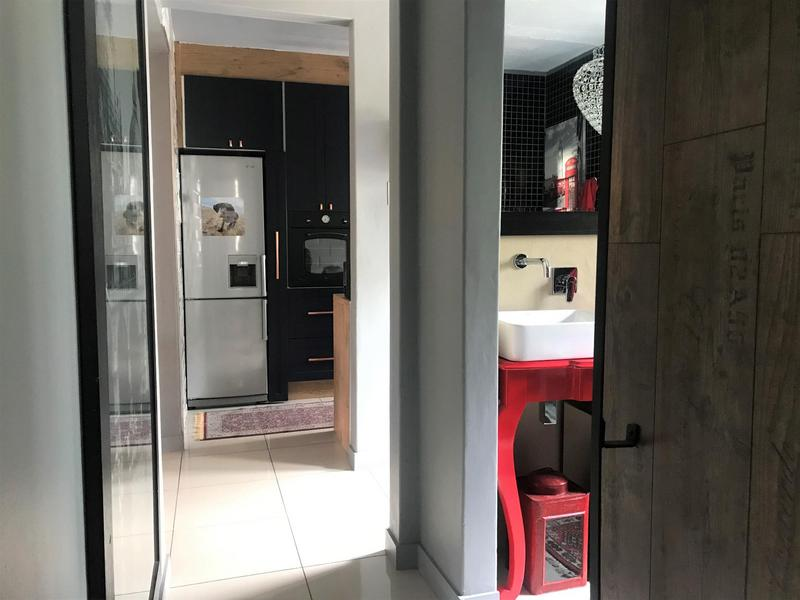 Property For Rent in Northcliff, Johannesburg 22