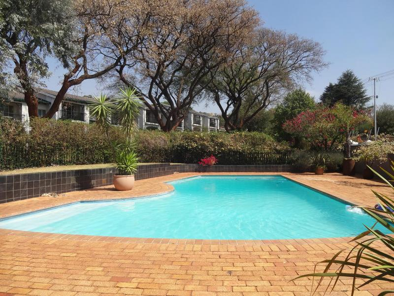 Property For Rent in Northcliff, Johannesburg 25