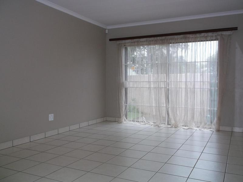 Property For Rent in Farrarmere, Benoni 5
