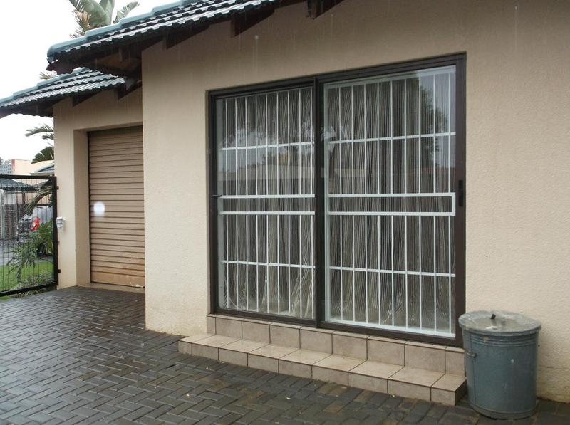 Property For Rent in Farrarmere, Benoni 1