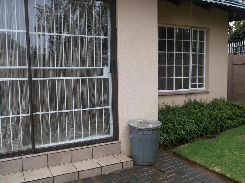 Property For Rent in Farrarmere, Benoni 10
