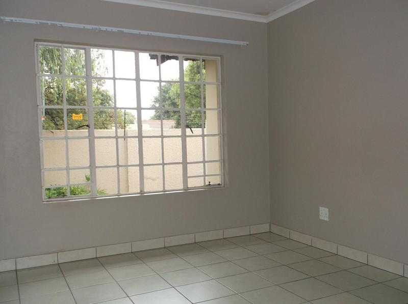Property For Rent in Farrarmere, Benoni 6