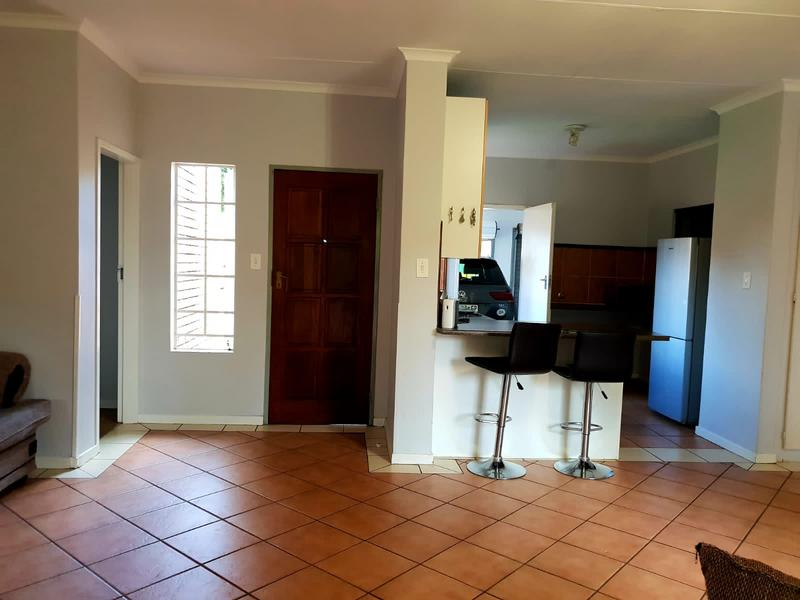 Property For Rent in Equestria, Pretoria 10