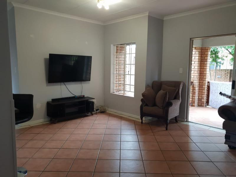 Property For Rent in Equestria, Pretoria 14