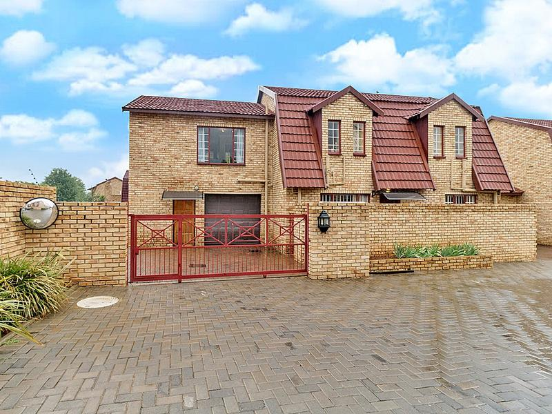 Property For Rent in Willowbrook, Roodepoort 4